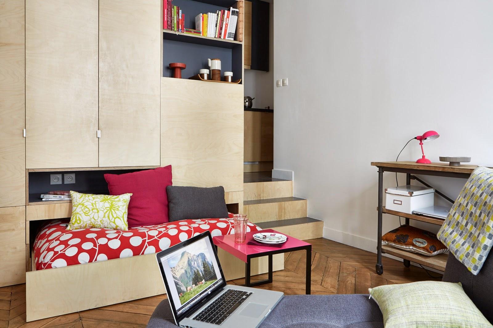 Спальня в однокомнатной квартире с выдвижной кроватью