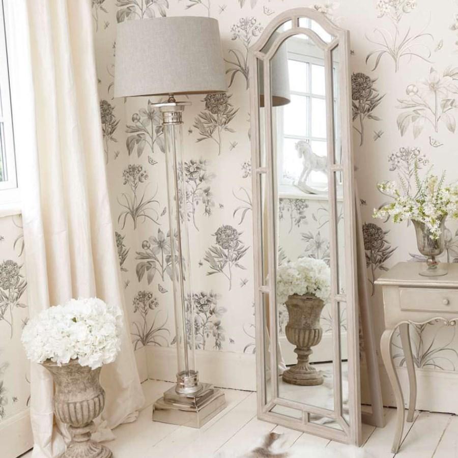 Детская комната в стиле прованс с зеркалом