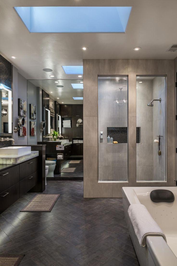 Интерьер ванной с зеркалом