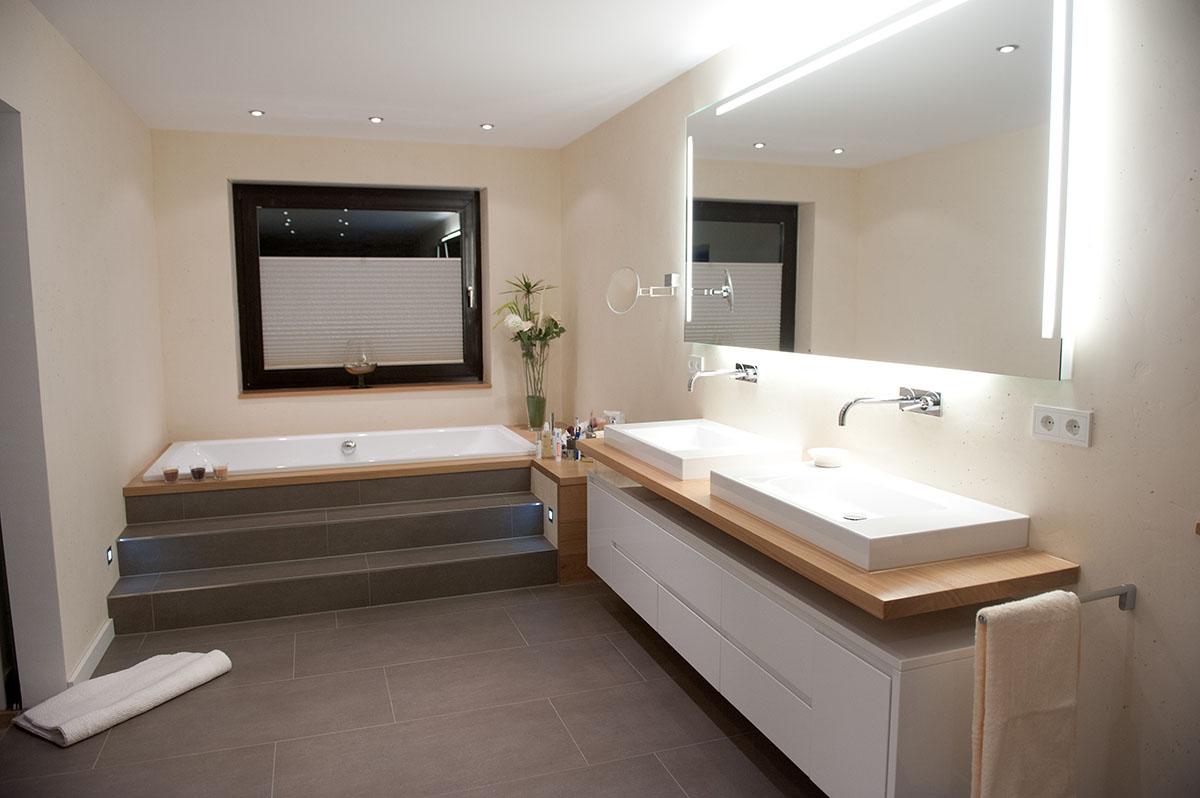 Ванная комната в современном стиле бежевая