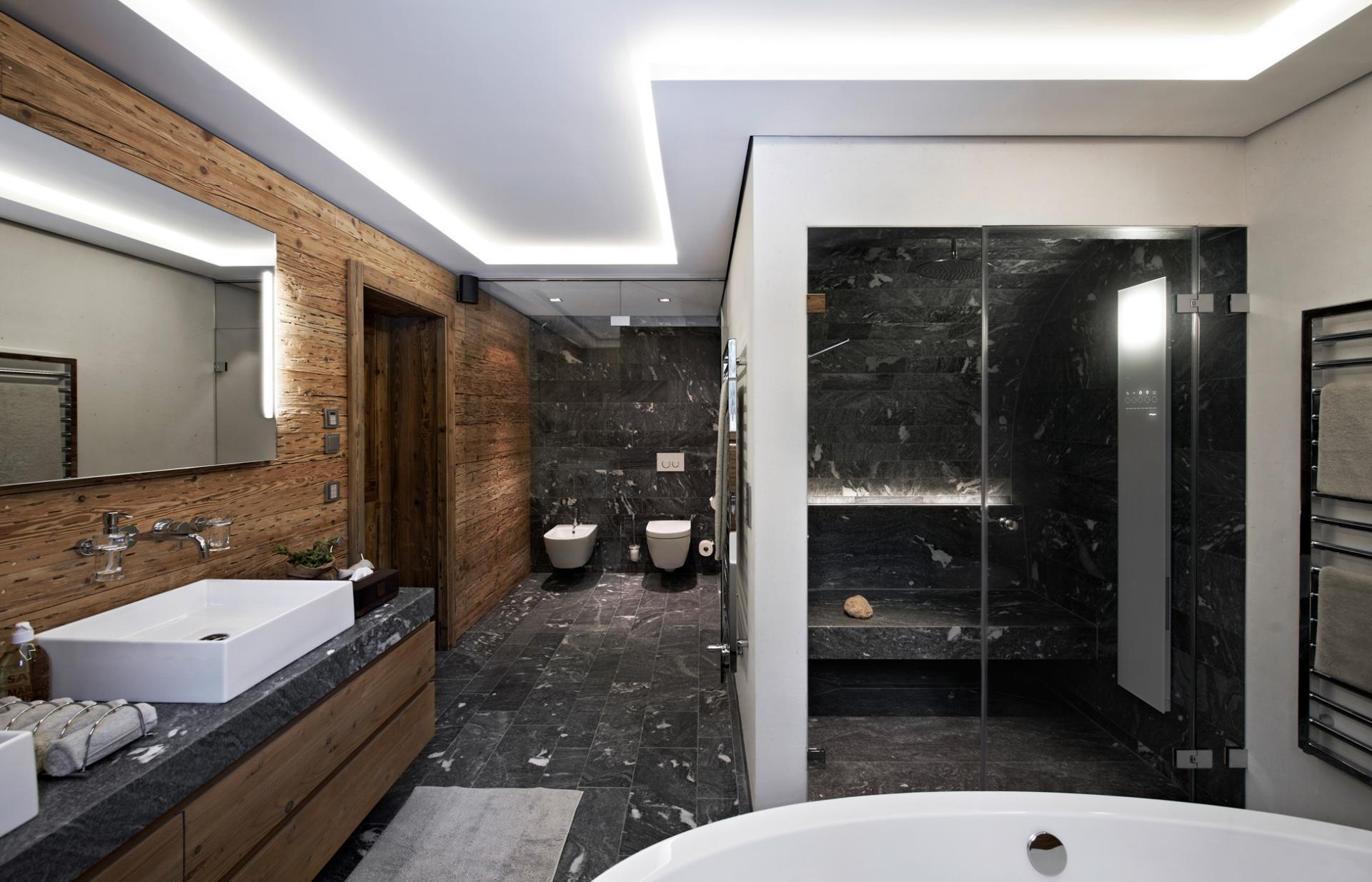 Ванная комната в современном стиле большая