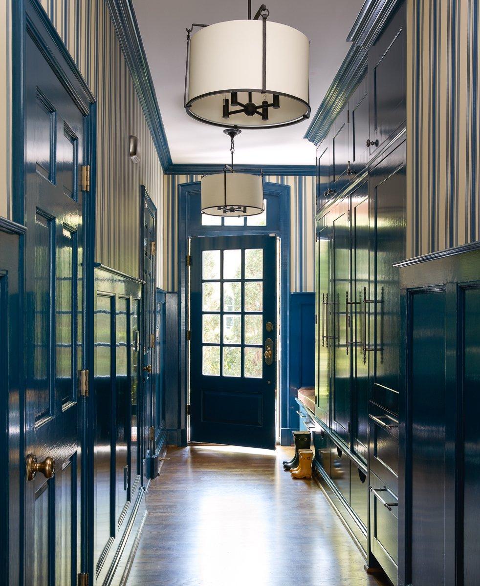 Шкаф в прихожую голубой