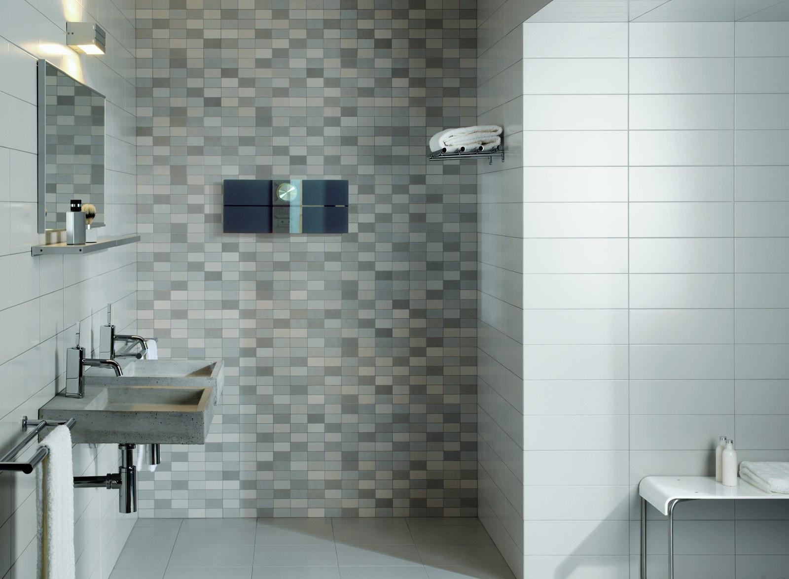 Ванная комната в современном стиле с керамогранитной плиткой