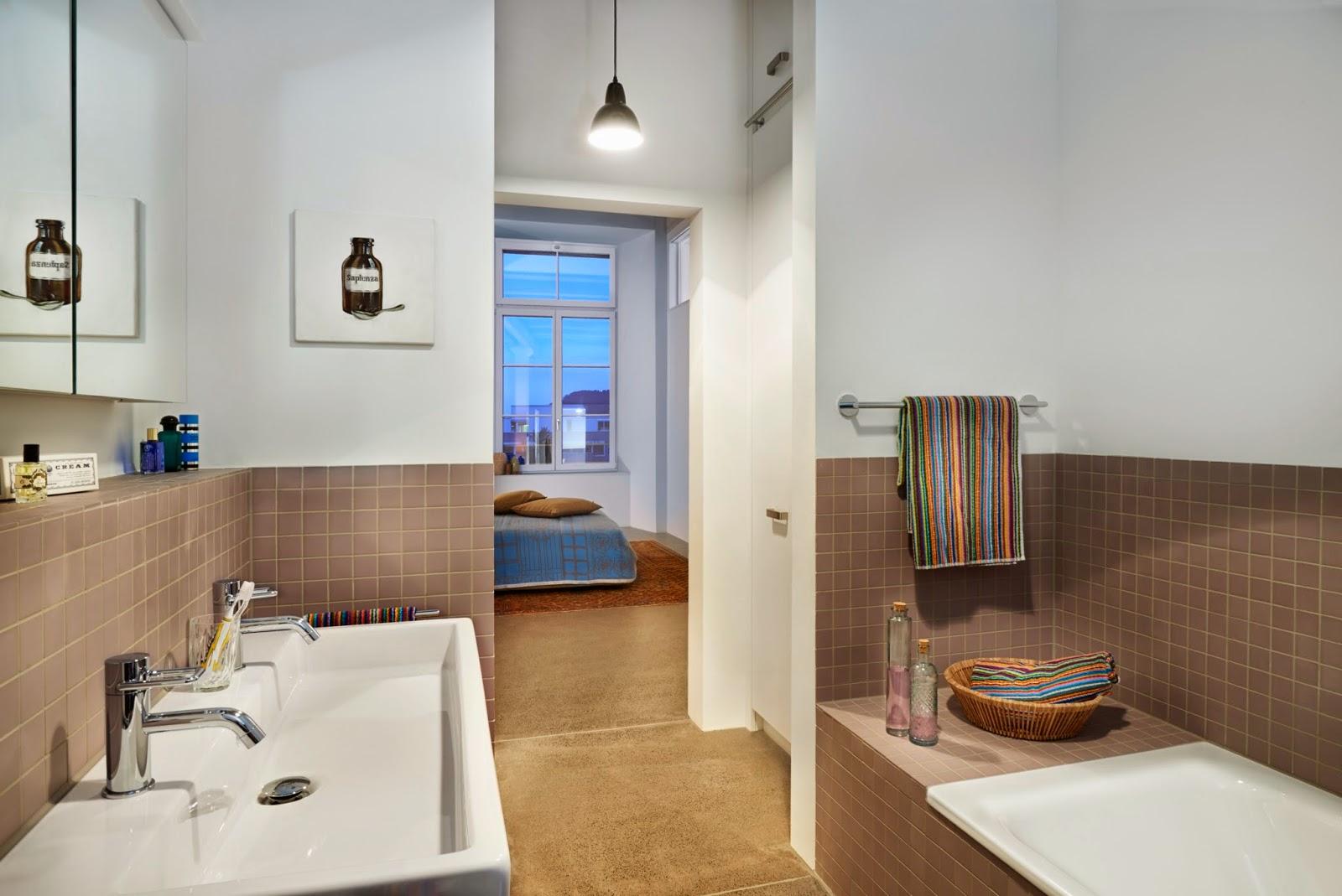 Ванная комната в современном стиле в квартире