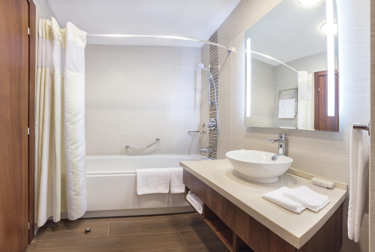 Ванная комната в современном стиле небольшая