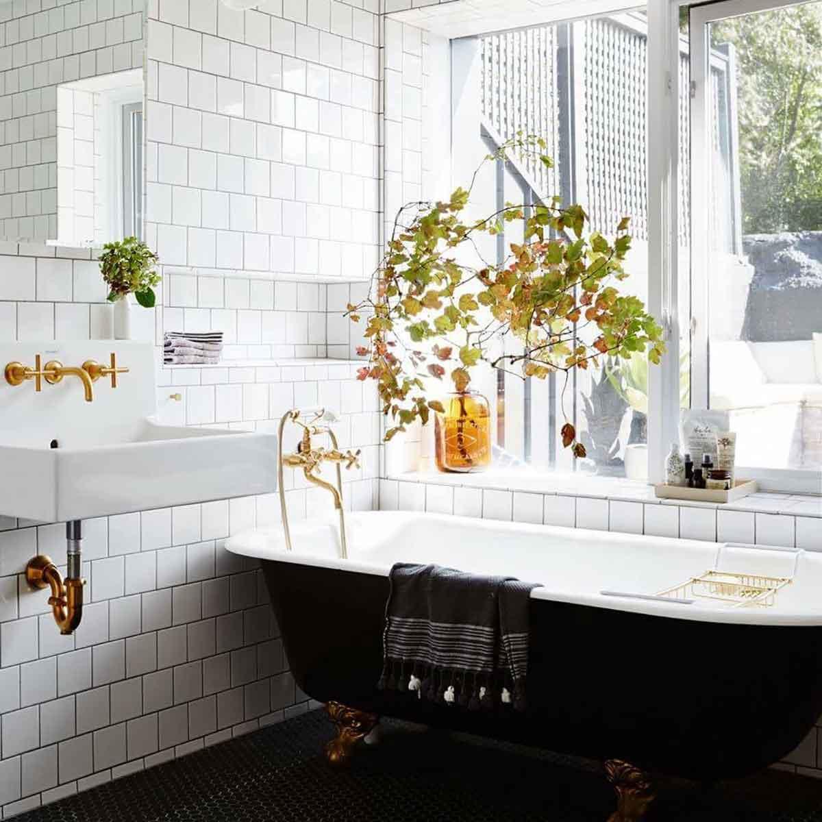 Ниша из плитки в ванной