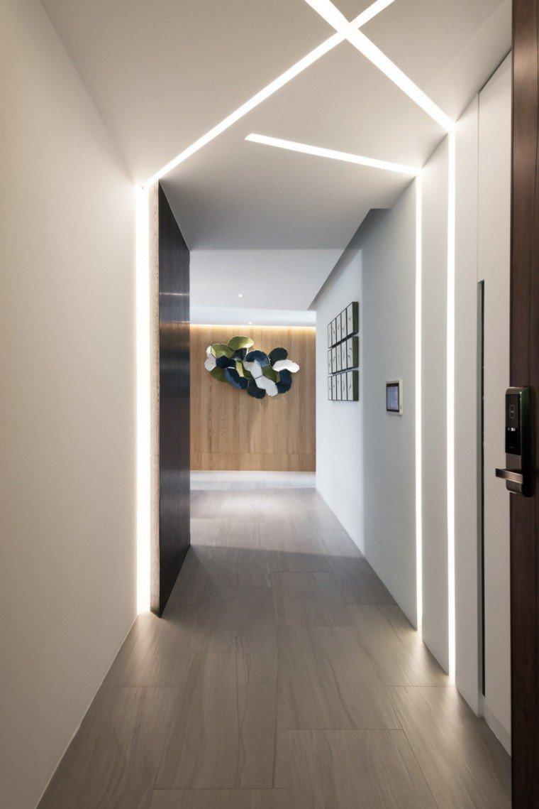 Дизайн прихожей с подсветкой