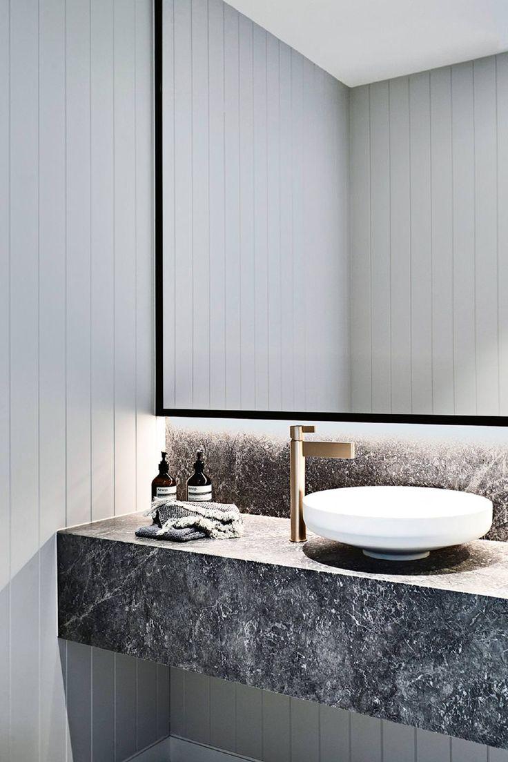 Ванная комната в современном стиле с раковиной