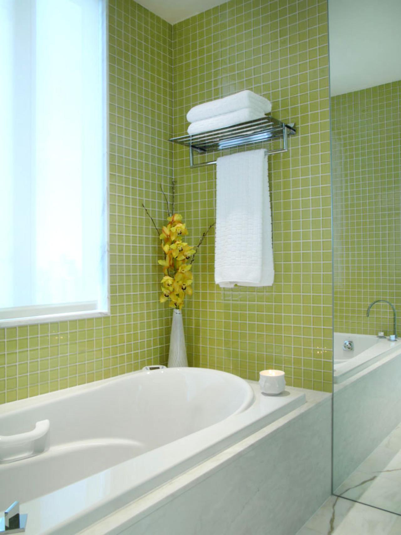 Ванная комната в современном стиле зеленая