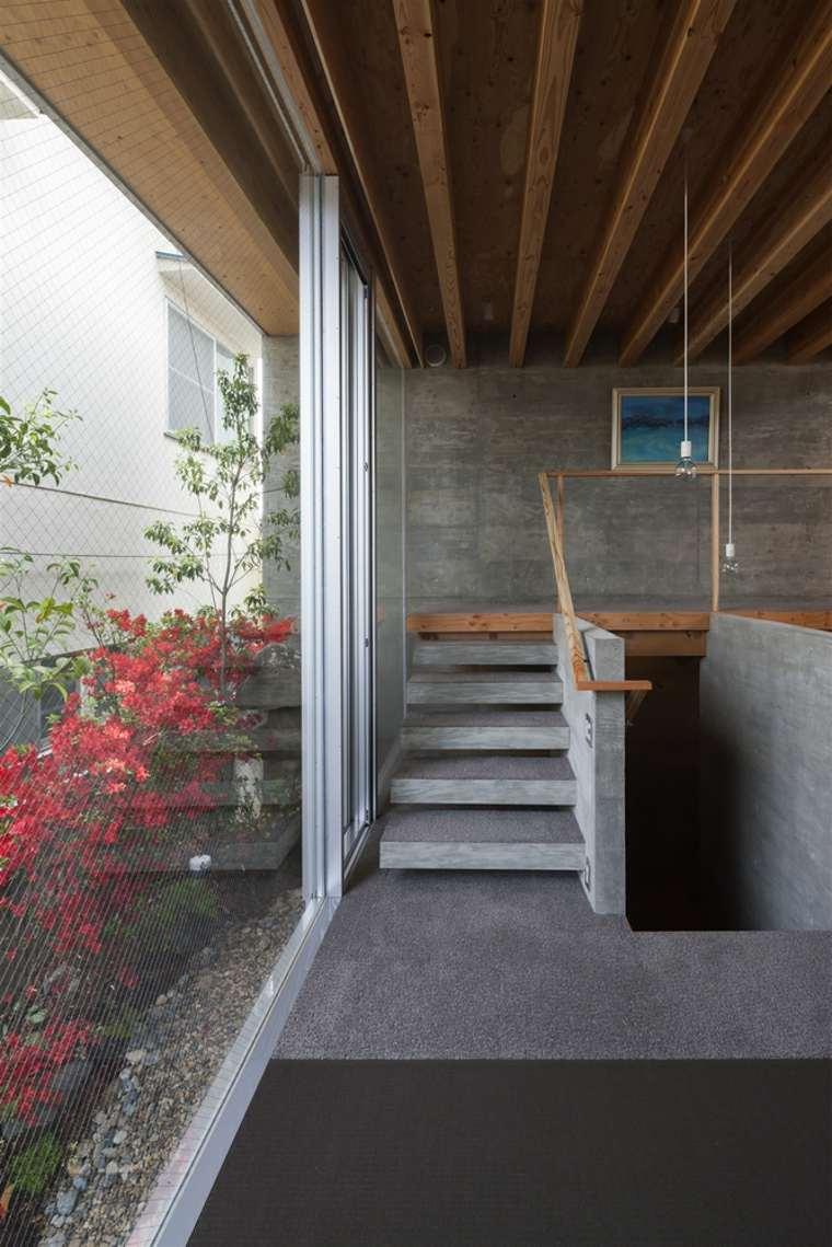 Японский интерьер с бетоном