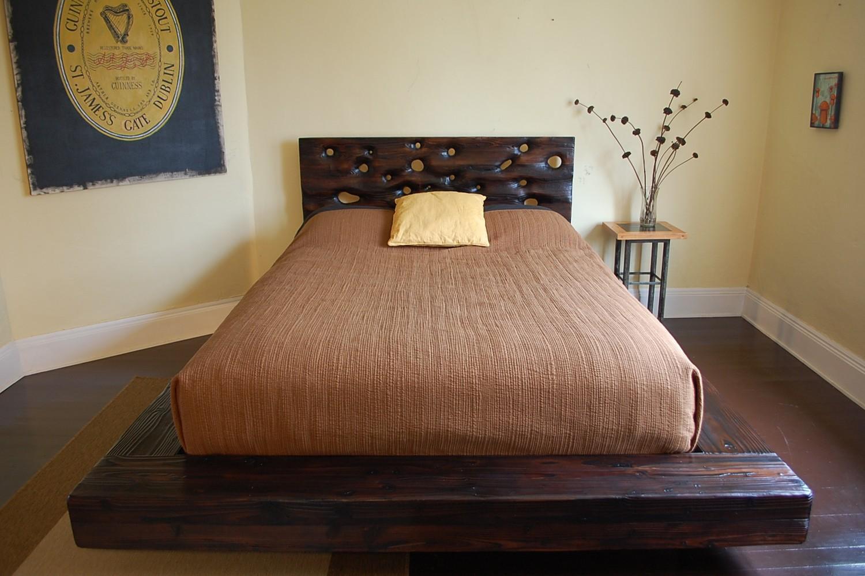 Кровать подиум брашированная