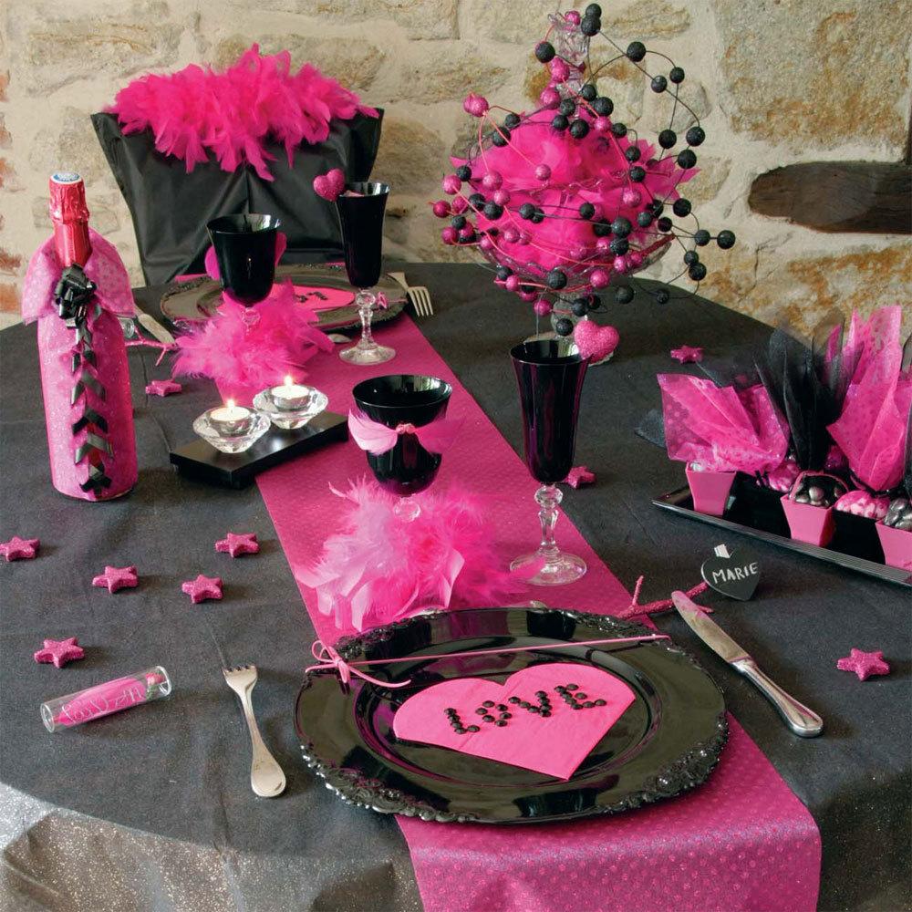 Оформление на 14 февраля черно-розовое