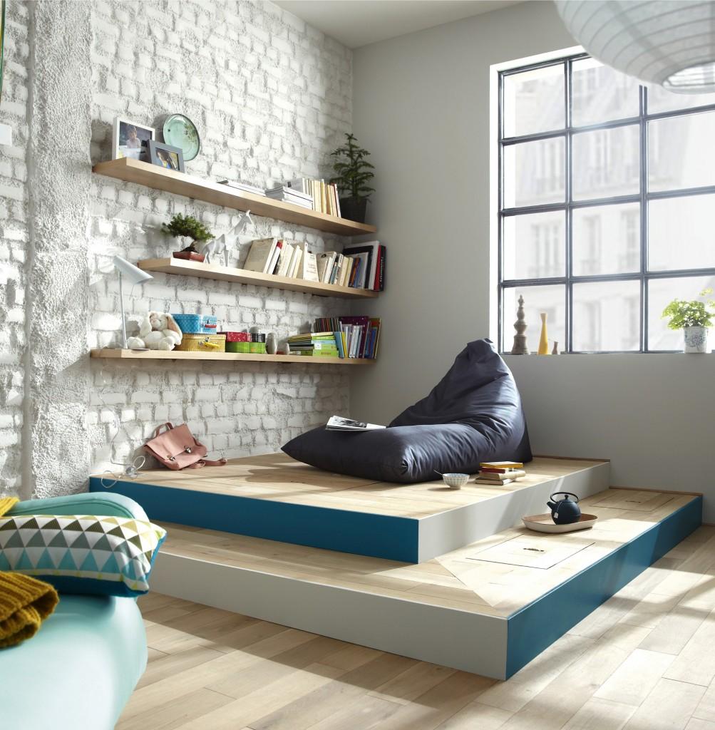 Кровать подиум цветная