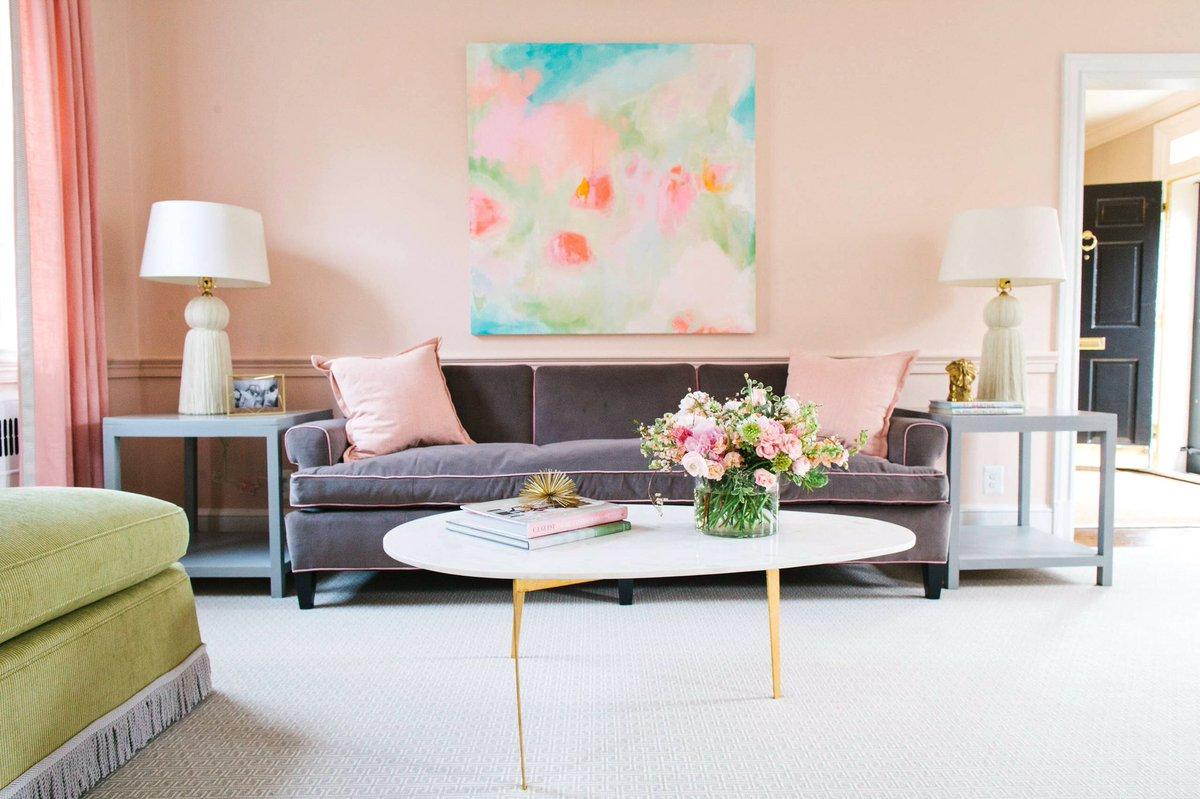 Интерьер для девушки с цветами