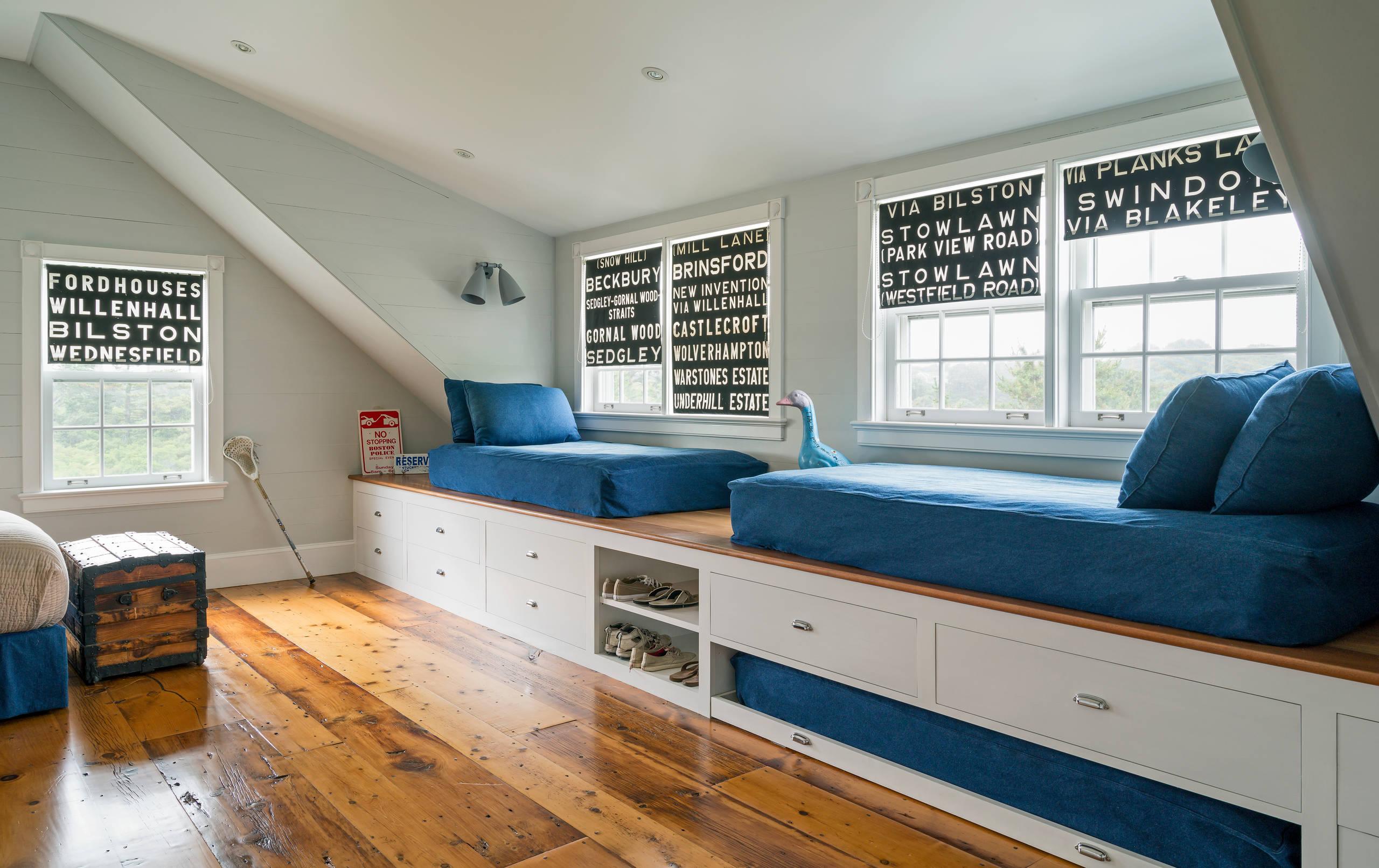 Кровать подиум в доме