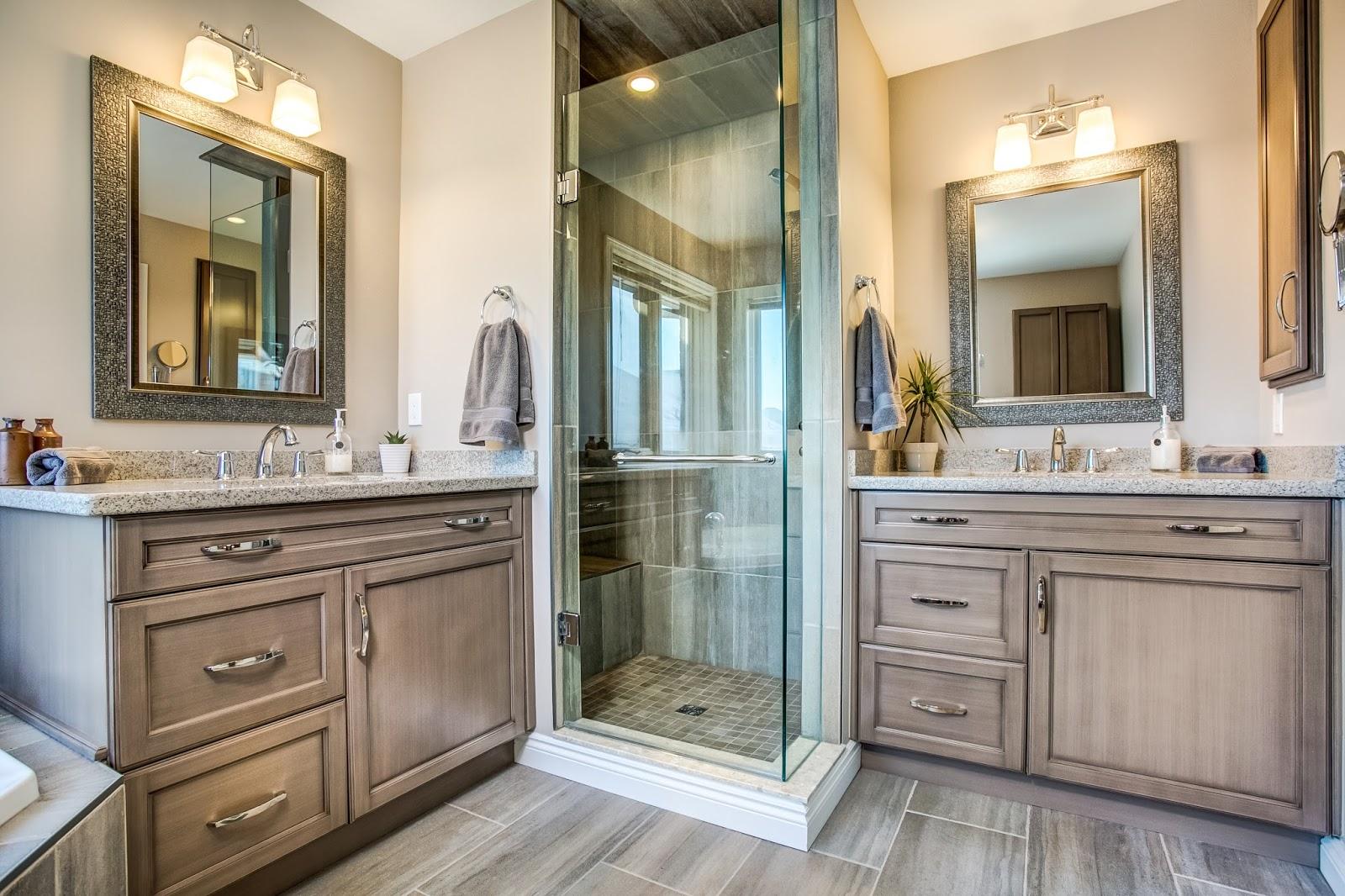 Большая ванная на две раковины