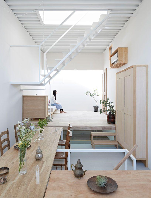 Японский интерьер двухэтажного дома