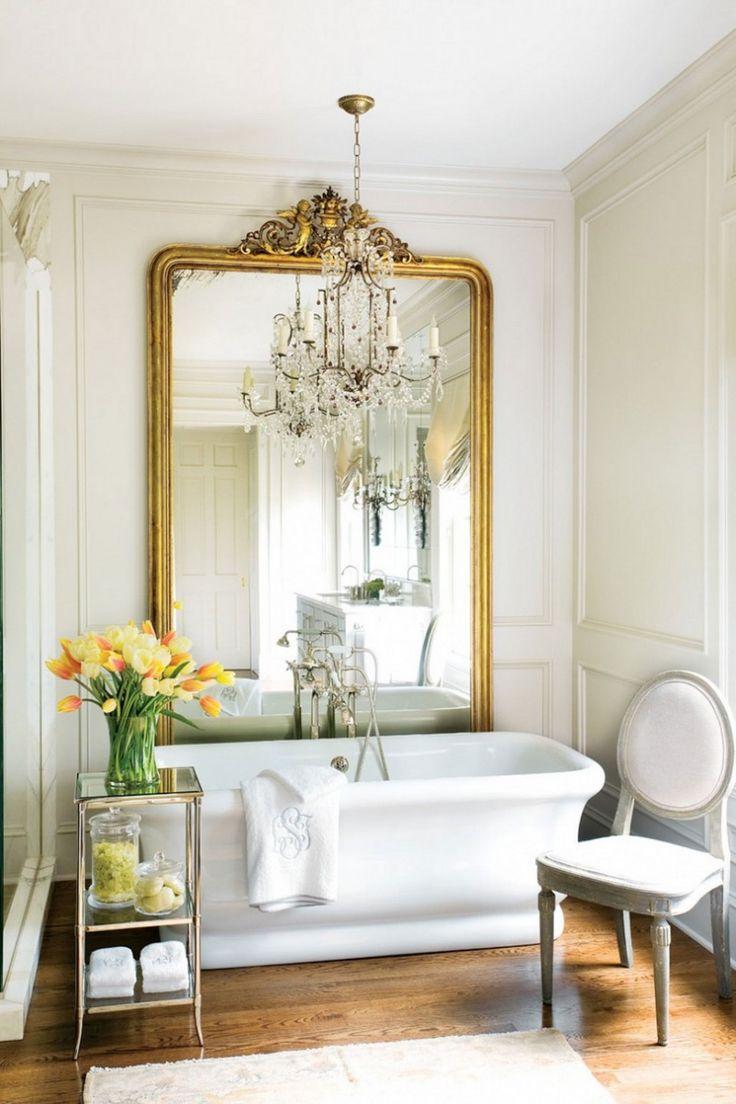 Большая ванная в эклектичном стиле