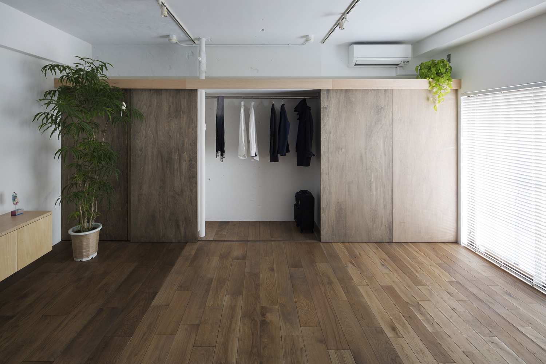 Японский интерьер с гардеробом
