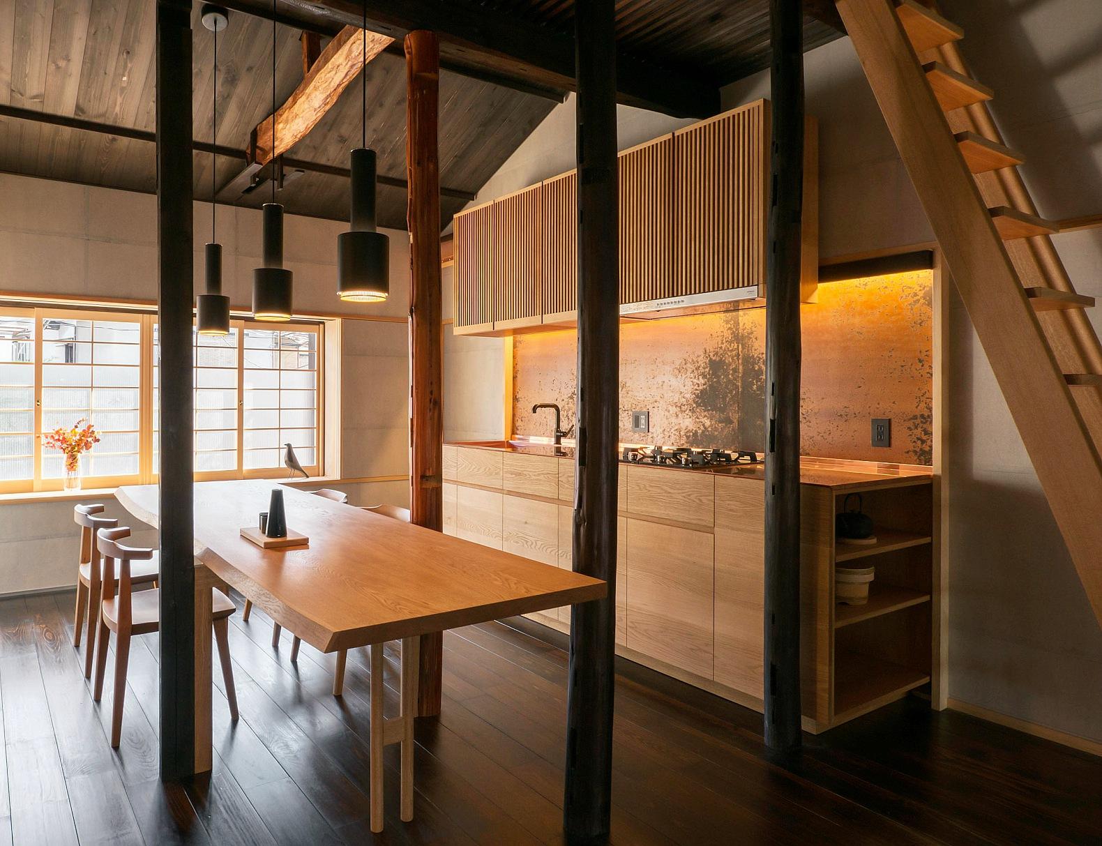 Японский интерьер с кухонным гарнитуром