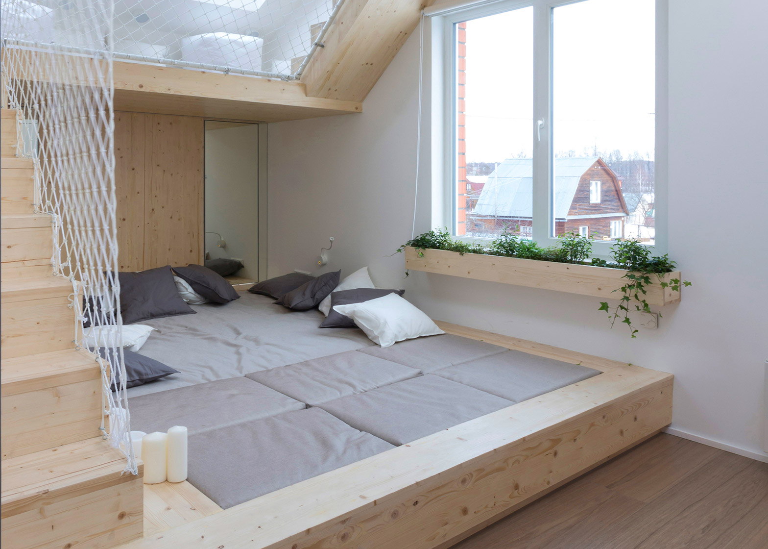 Кровать подиум с игровой зоной