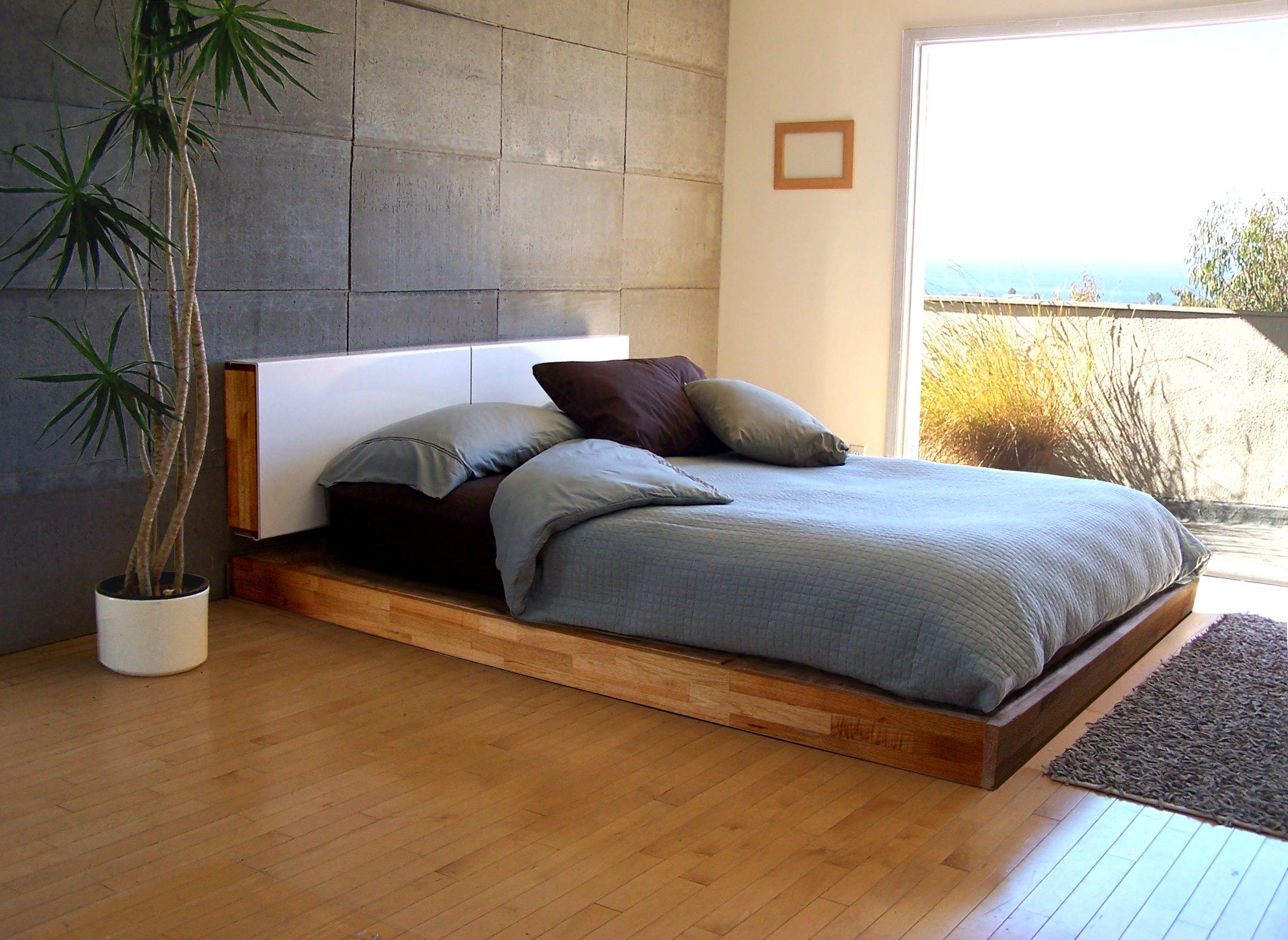 Кровать подиум с изголовьем