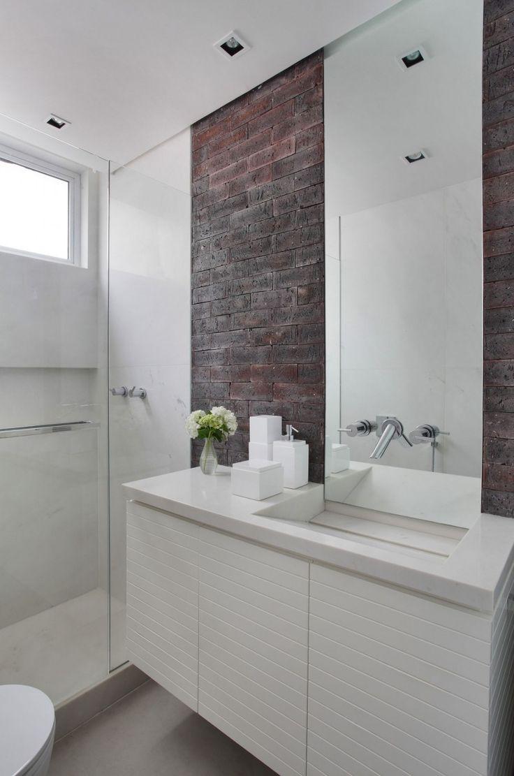 Ванная своими руками со стеной из кирпича