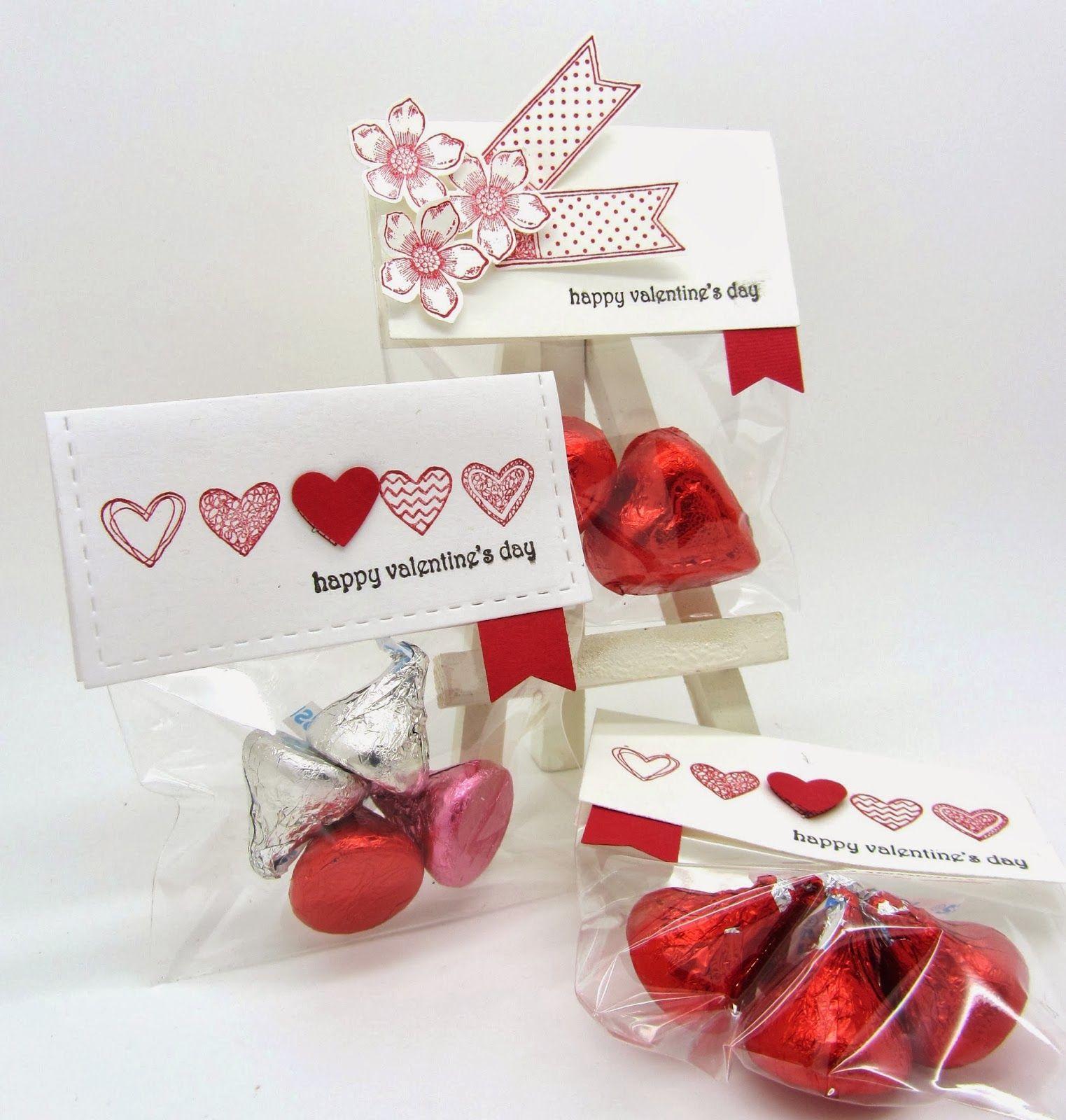 Поделка на 14 февраля с конфетами