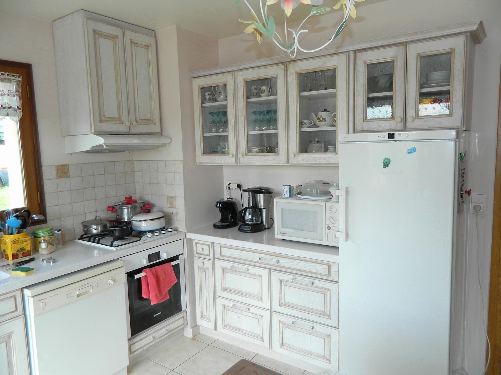 Белый интерьер кухни прованс