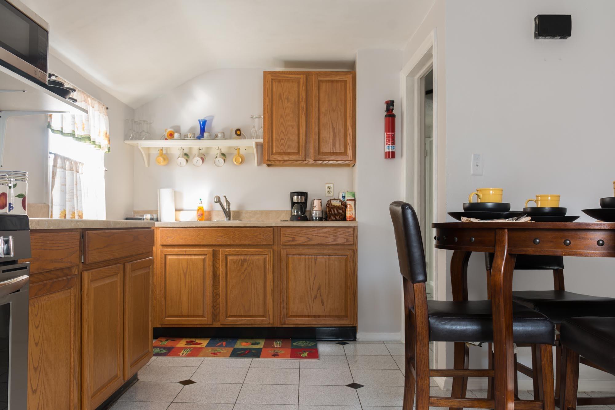 Как расставить кухонную мебель в однокомнатной квартире