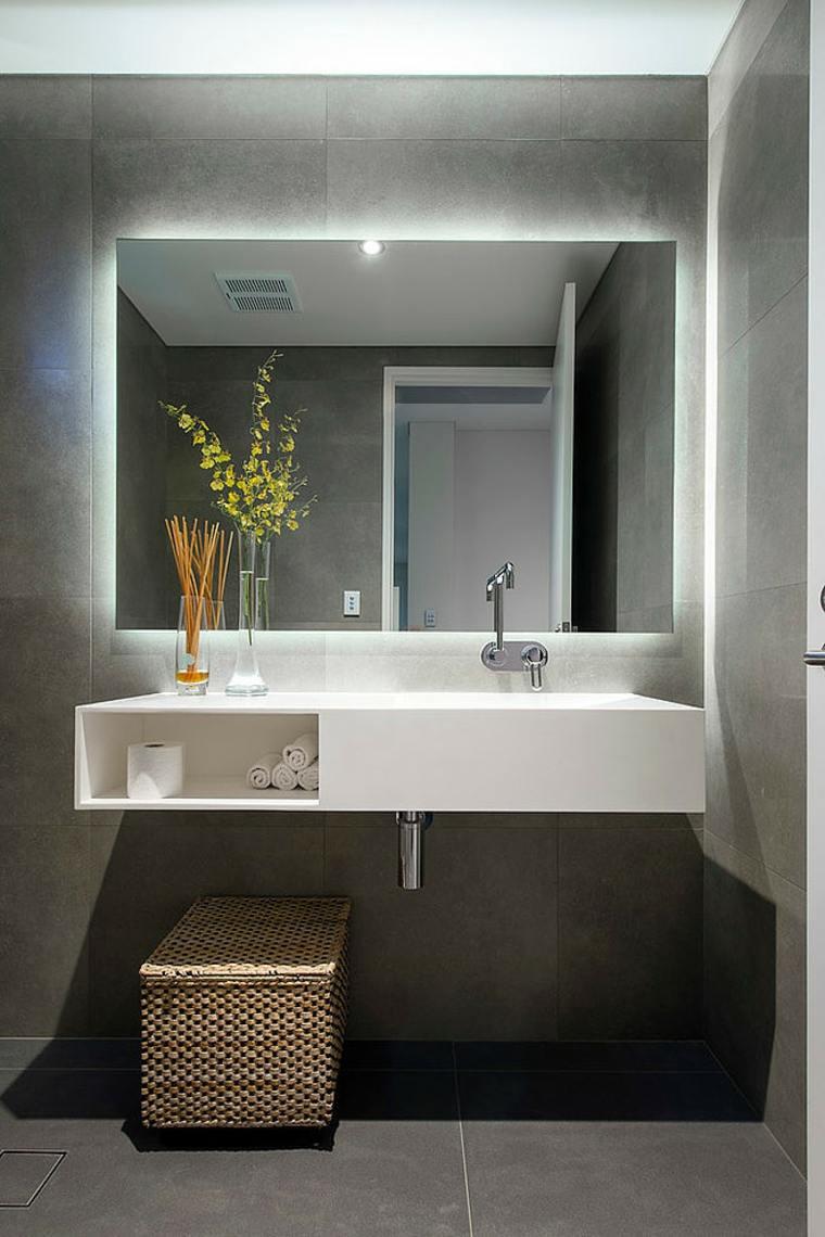 Большая ванная в лаконичном дизайне