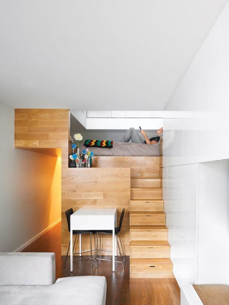 Кровать подиум с лестницей