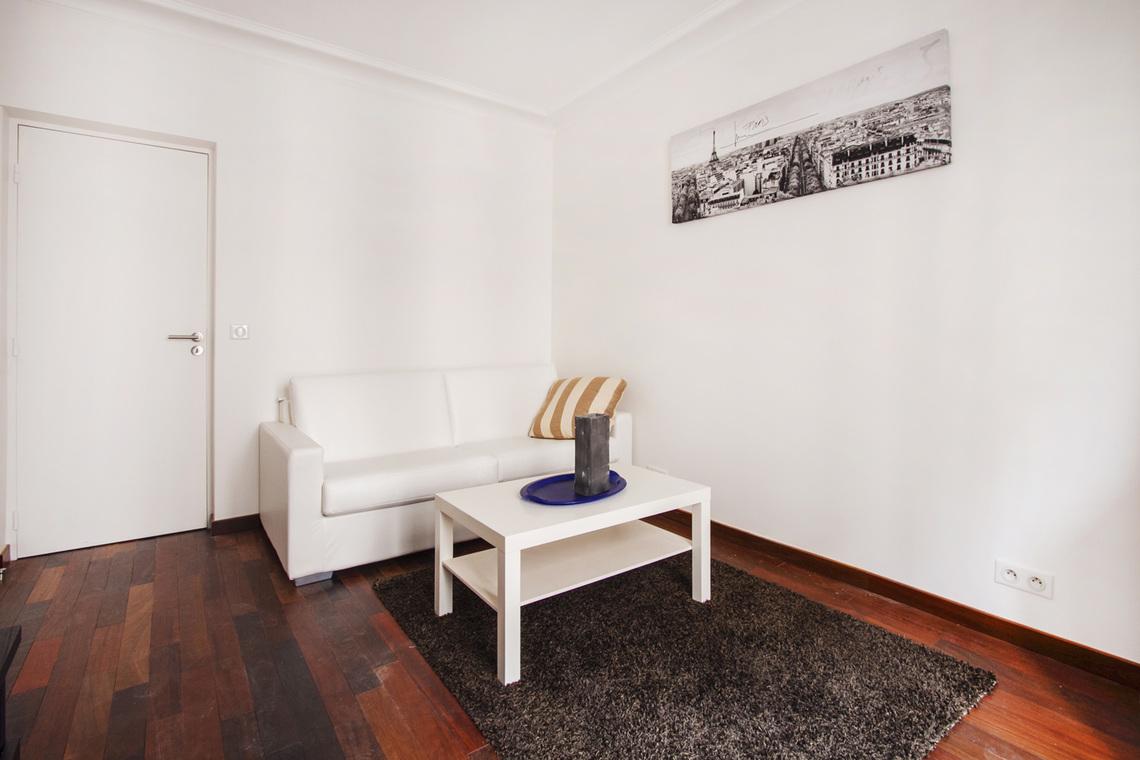Мебель в однокомнатной квартире минимализм