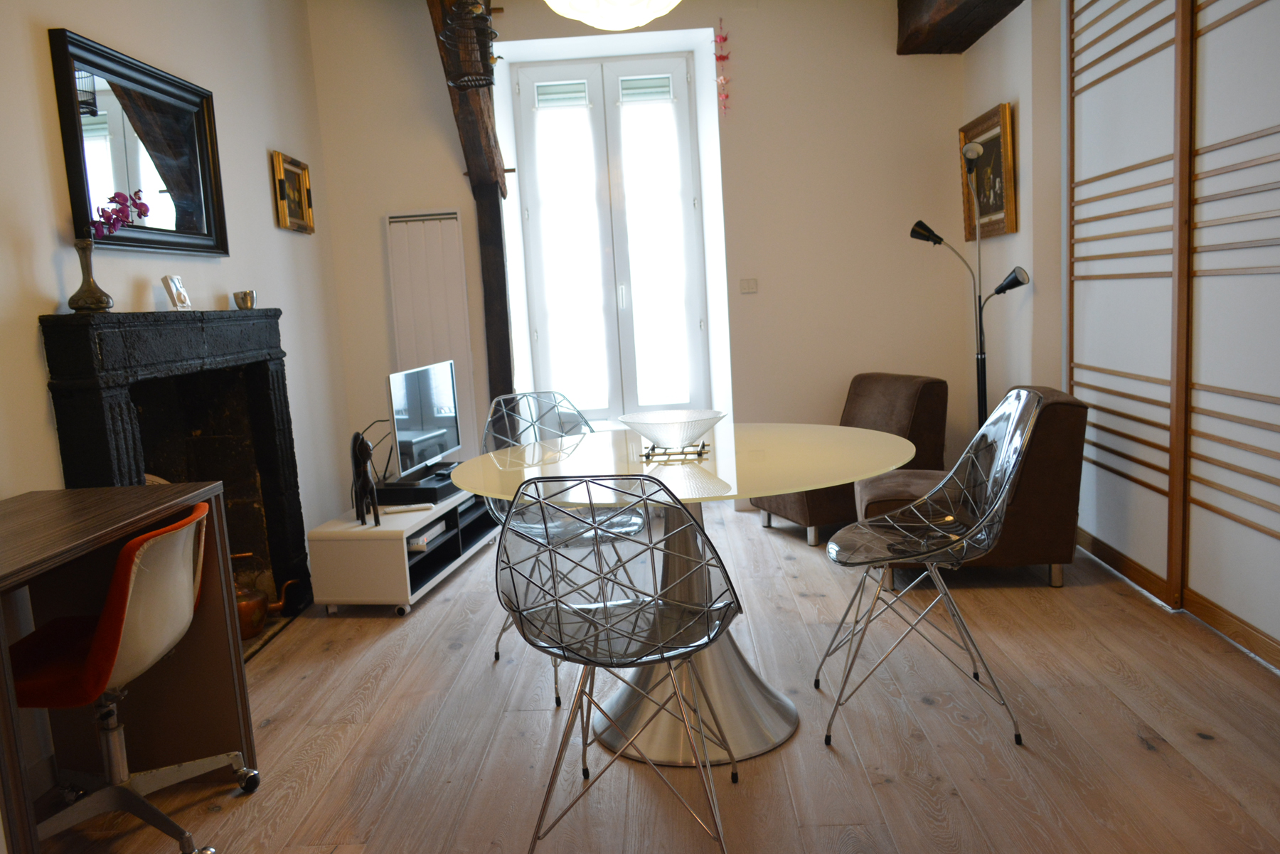Мебель в однокомнатной квартире модерн