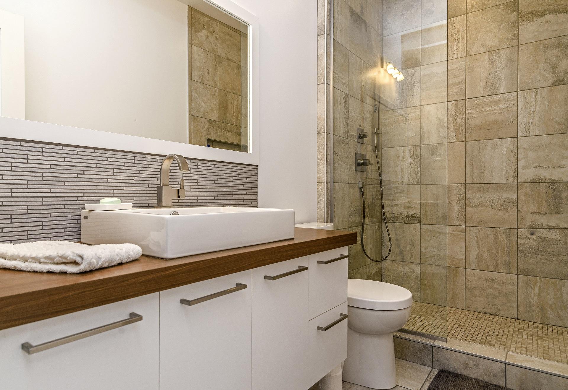 Большая ванная отделка
