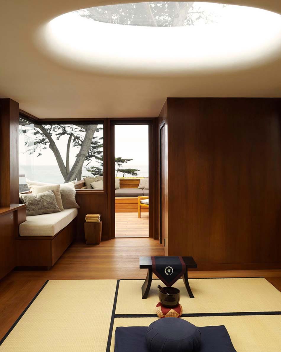 Японский интерьер с панелями