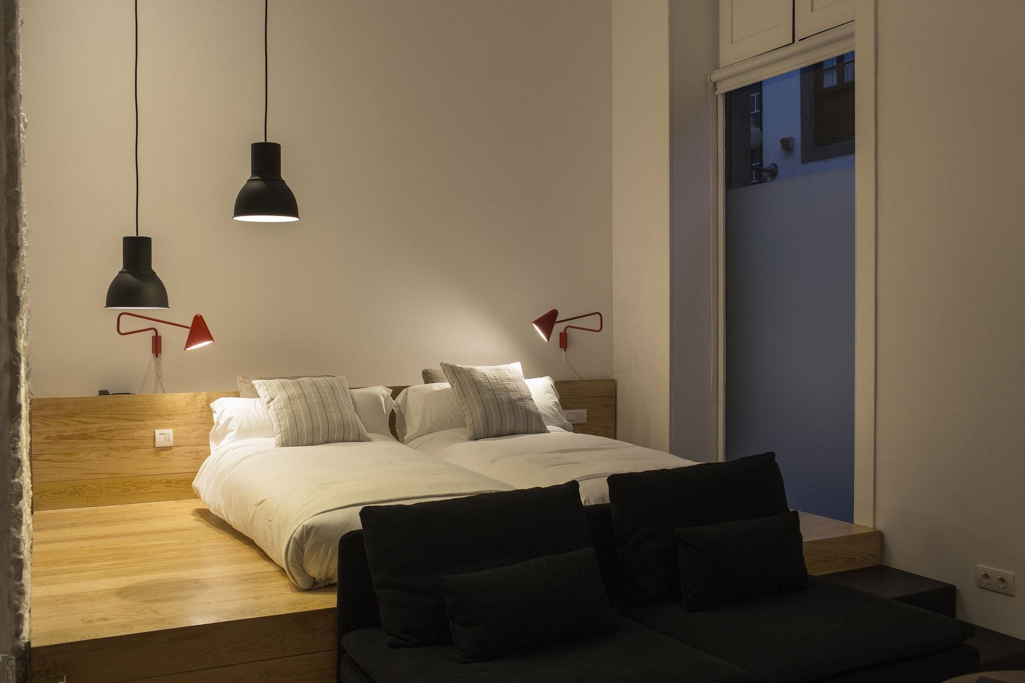 Кровать подиум ретро