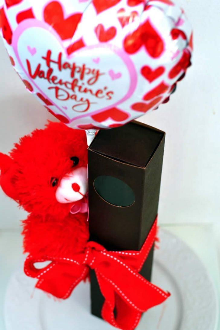 Подарок на 14 февраля своими руками с шарами