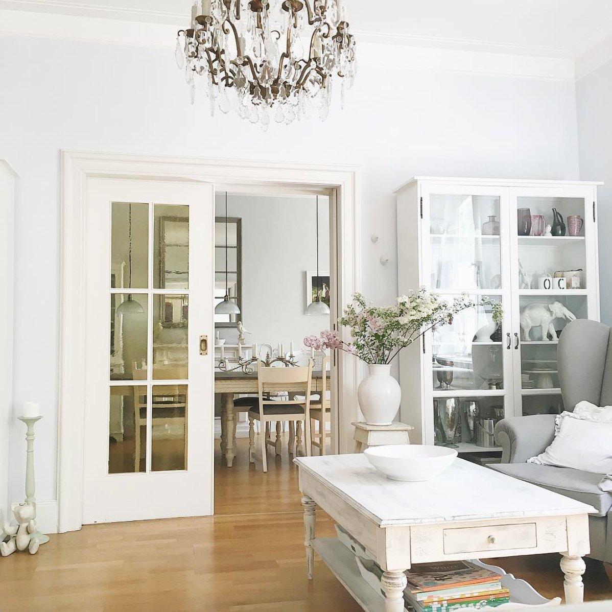 Белый интерьер в стиле шебби шик