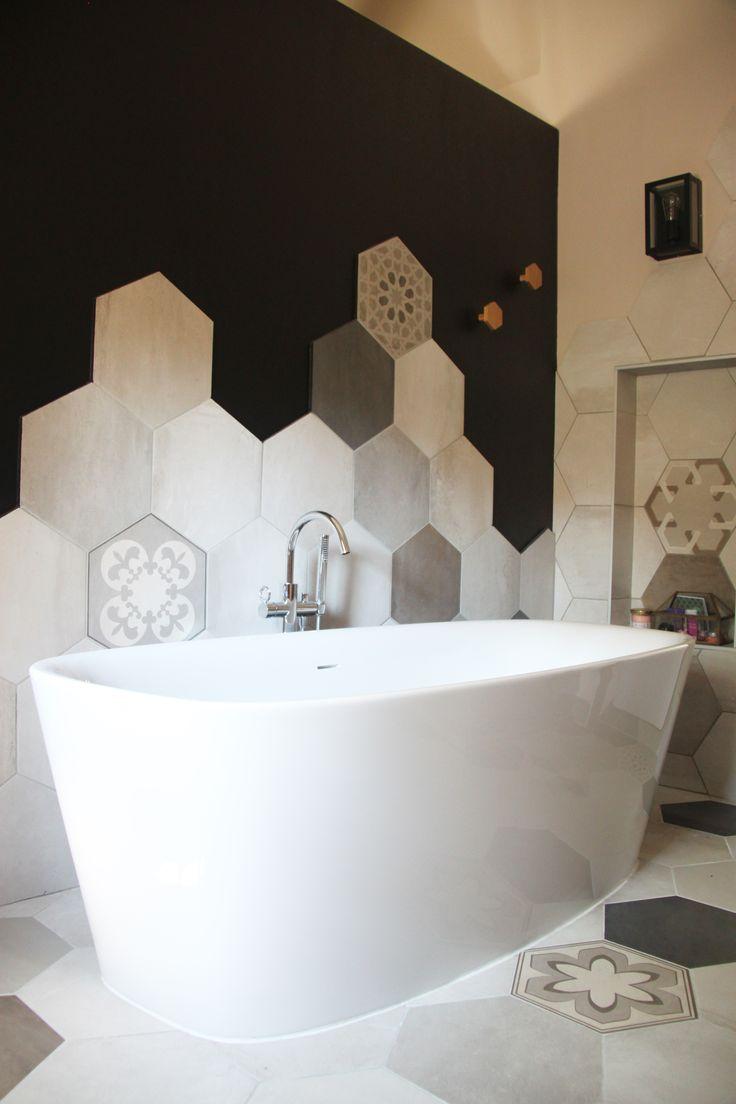 Ванная своими руками с шестиугольной плиткой