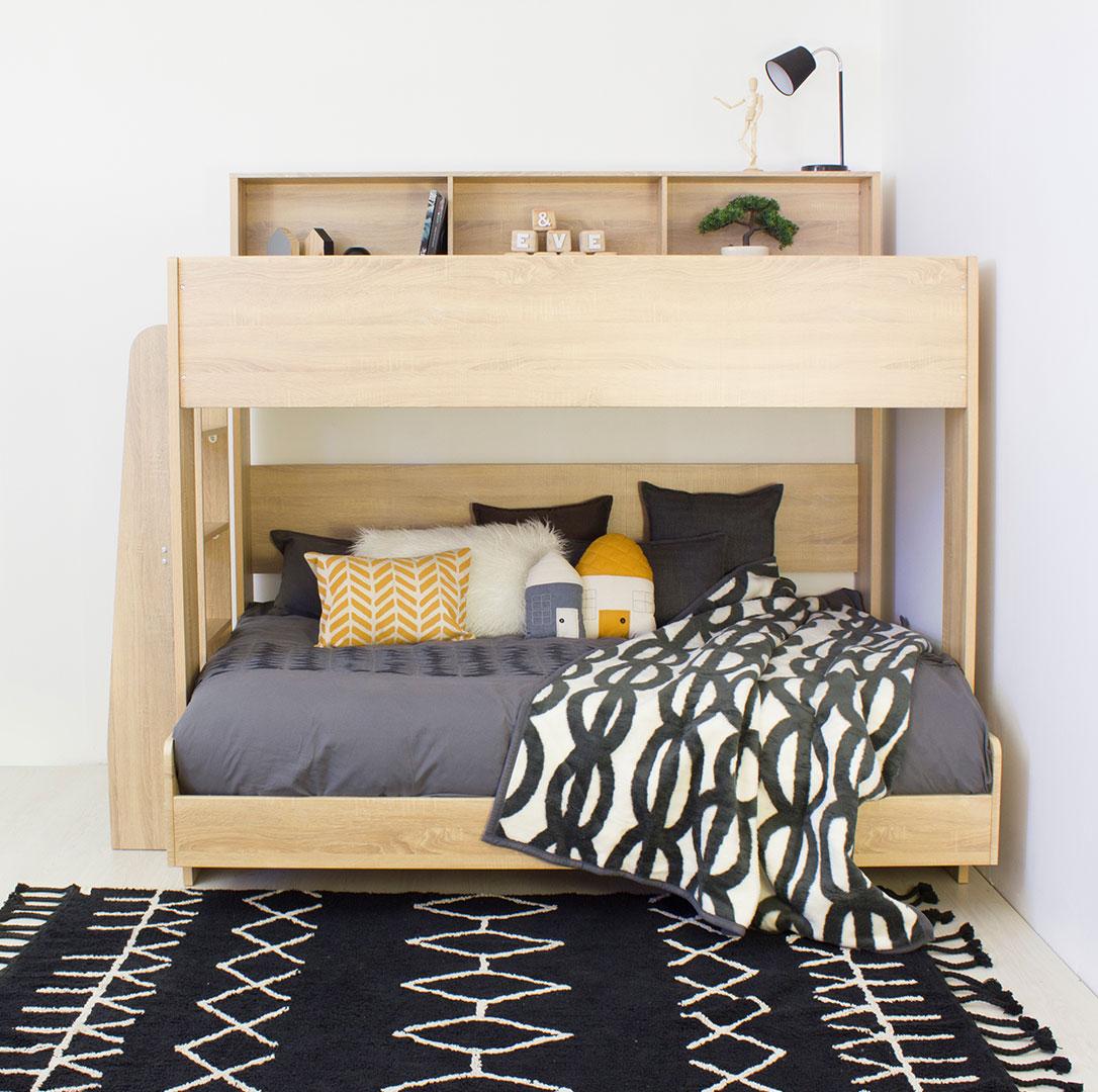 Кровать чердак с софой