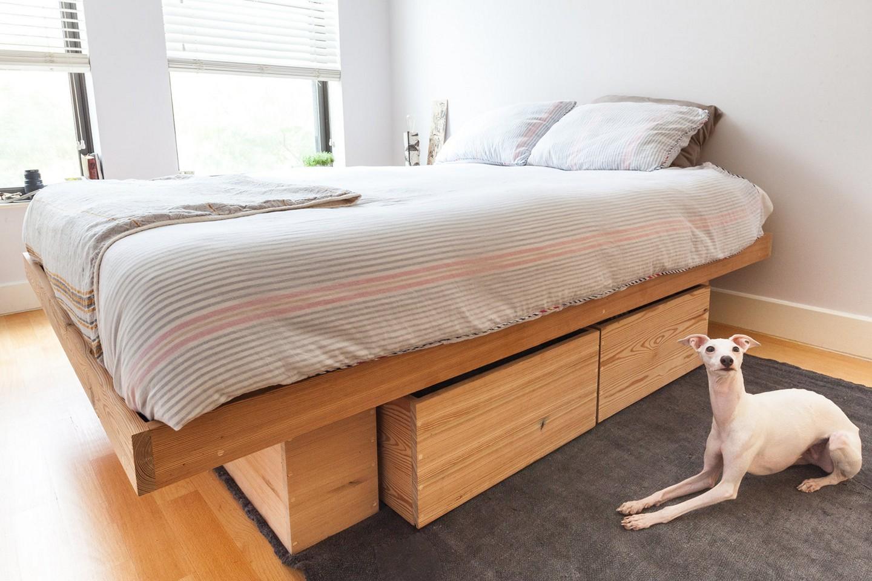 Кровать подиум из сосны