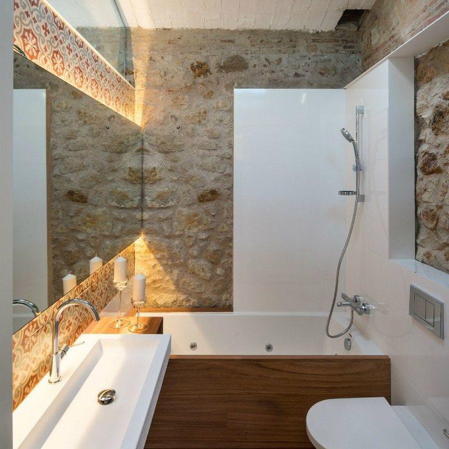 Большая ванная в средиземноморском стиле