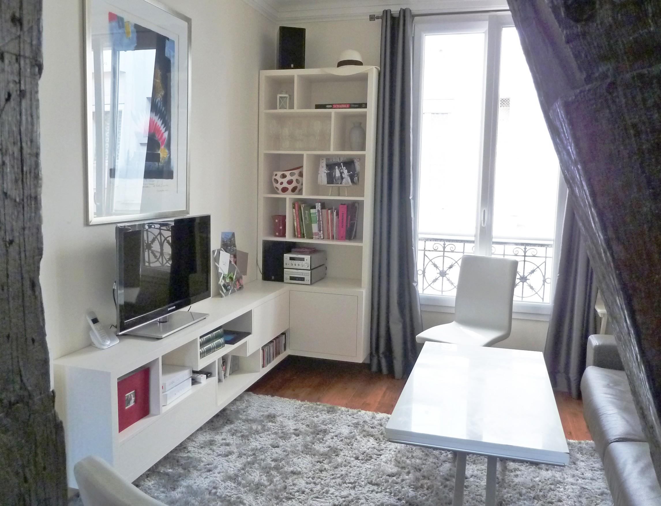 Как расставить мебель в однокомнатной квартире со стеллажами
