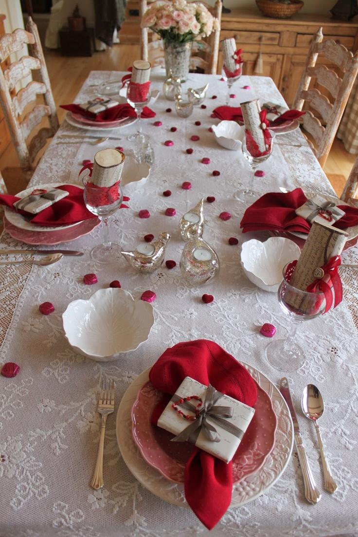 Декор стола на день святого валентина кружевной