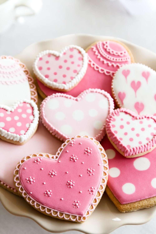 Декор стола на день святого валентина печенье
