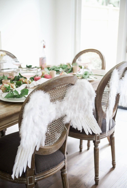 Декор стола и стульев на день святого валентина
