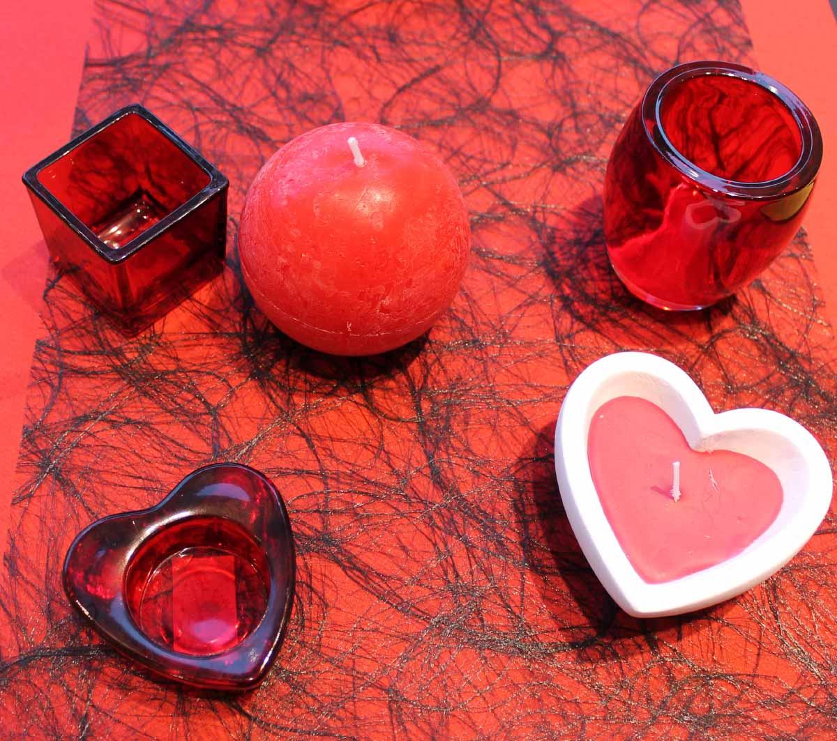 Декор на день святого валентина свечами