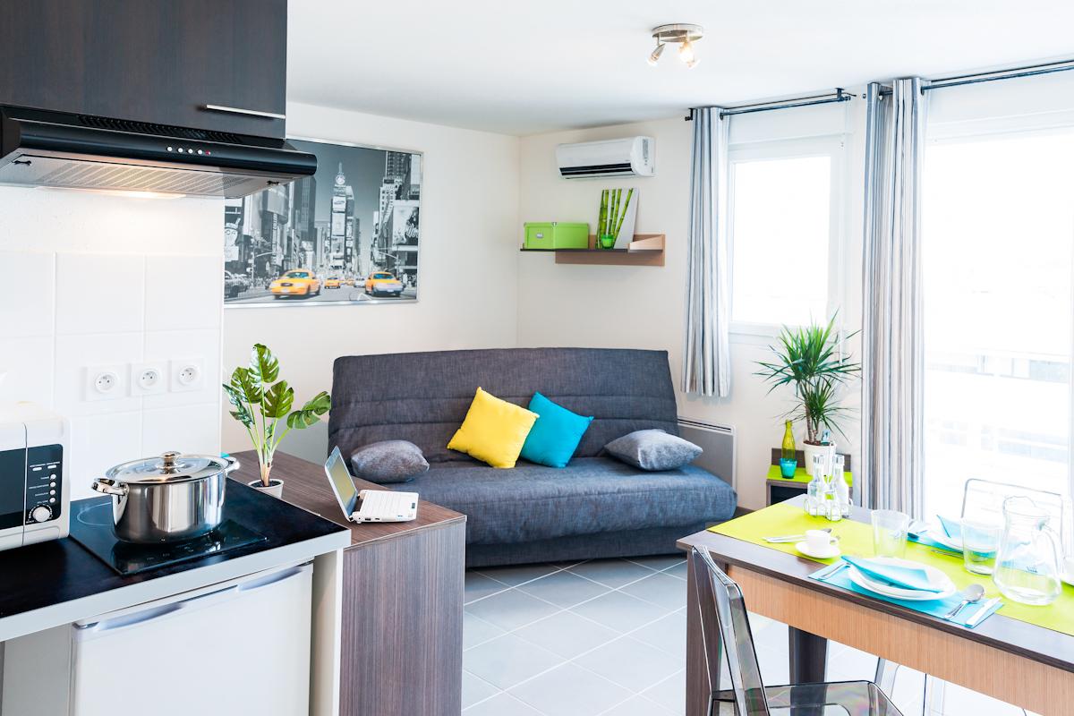 Как расставить угловую мебель в однокомнатной квартире