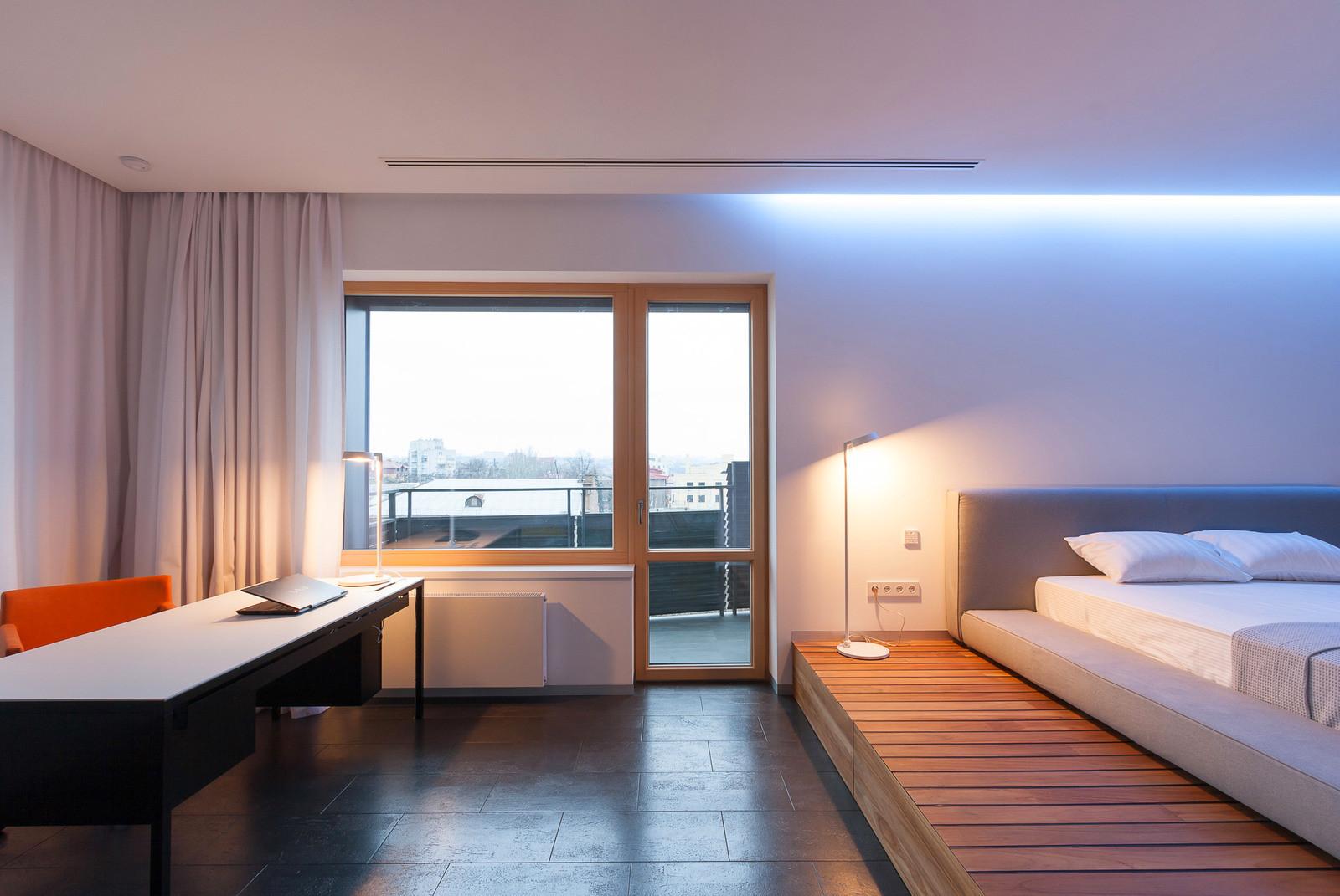 Кровать подиум с полом разного уровня